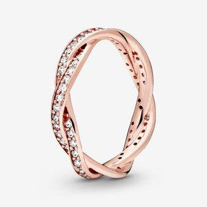 Pandora Sparkling Twisted Lines Ring